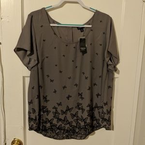 NWT Torrid Size 2 Grey Butterfly Print Blouse